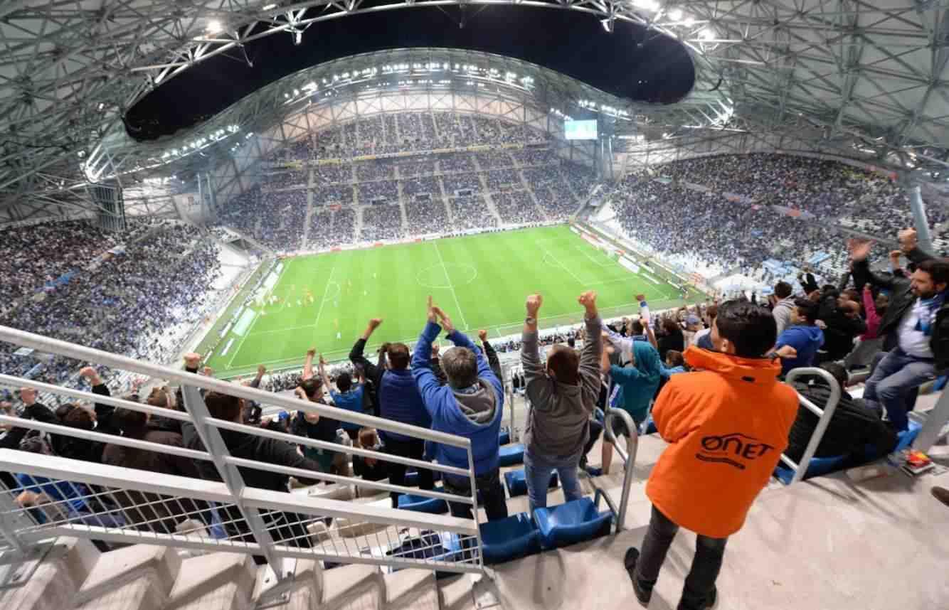 Onet France - Agent de sécurité pendant un match de foot